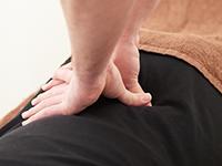 当院の骨盤矯正でお身体を根本から整え、慢性疲労の改善にお役立てください
